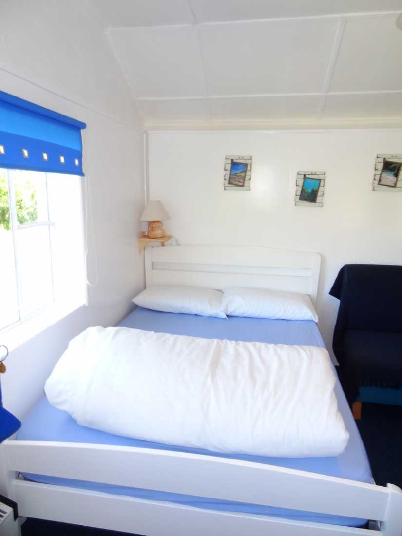 A selection of Images of 2 Berth