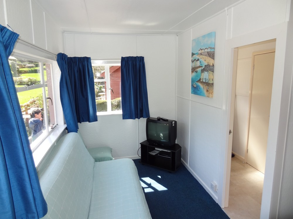 A selection of Images of 6 Berth